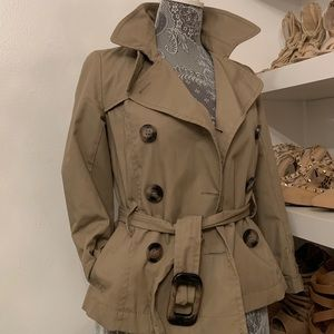 Cropped trench coat!